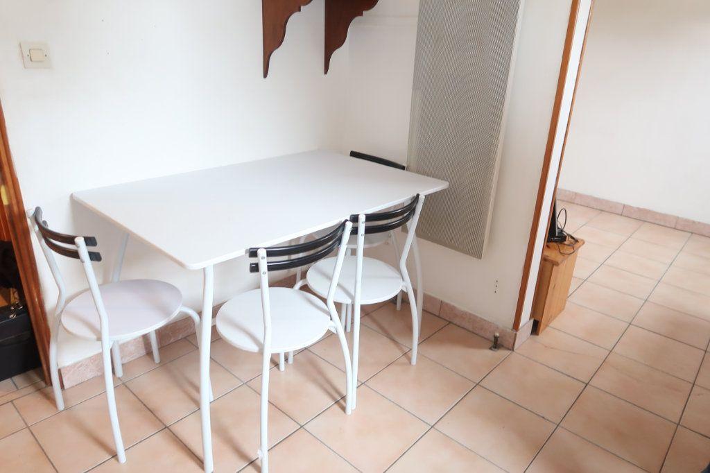 Appartement à louer 1 15m2 à Itancourt vignette-2