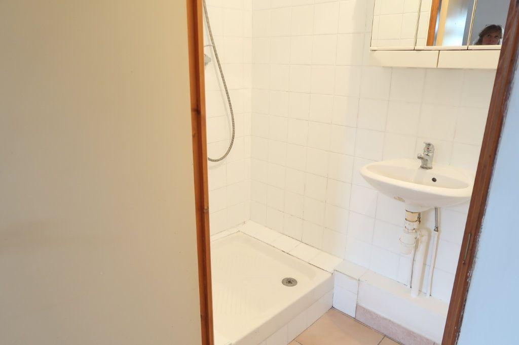 Appartement à louer 1 15m2 à Itancourt vignette-5
