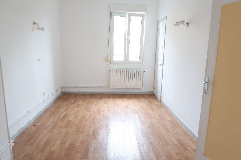 Maison à louer 4 70m2 à Saint-Quentin vignette-7