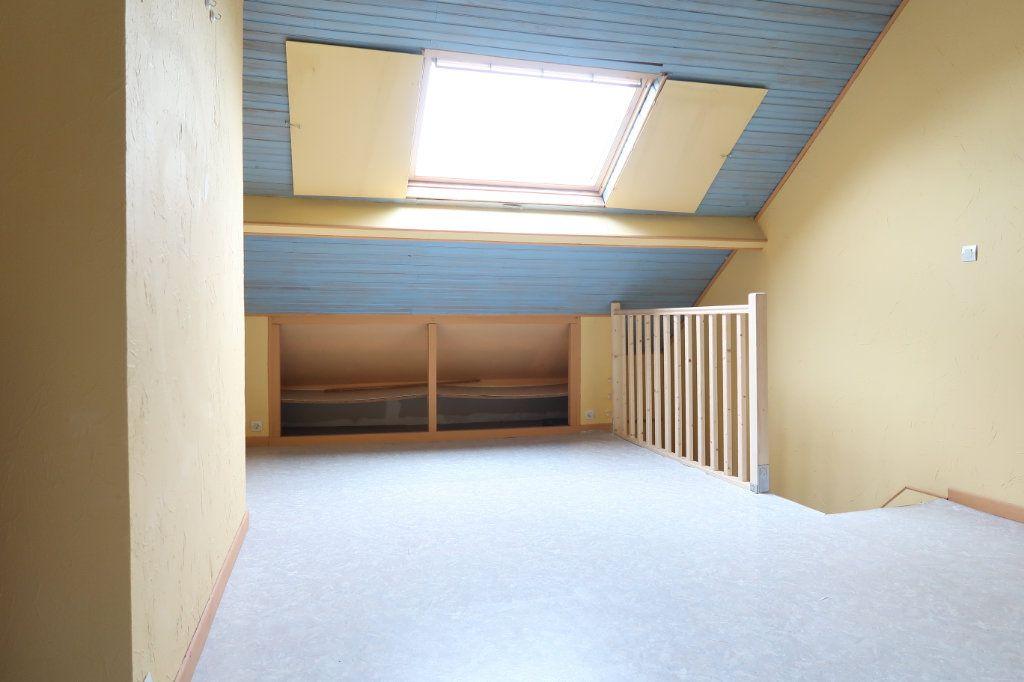 Maison à louer 4 70m2 à Saint-Quentin vignette-9