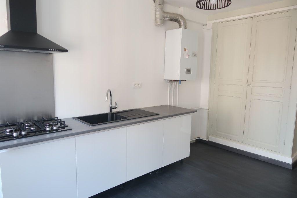 Appartement à louer 2 77m2 à Saint-Quentin vignette-4