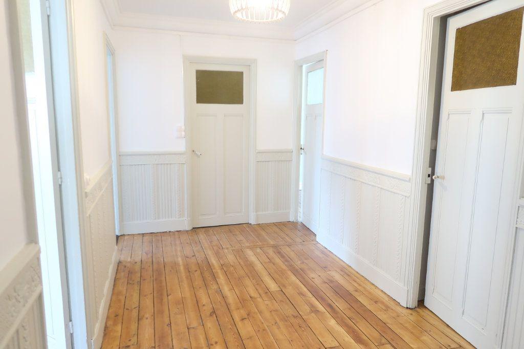 Appartement à louer 2 77m2 à Saint-Quentin vignette-5