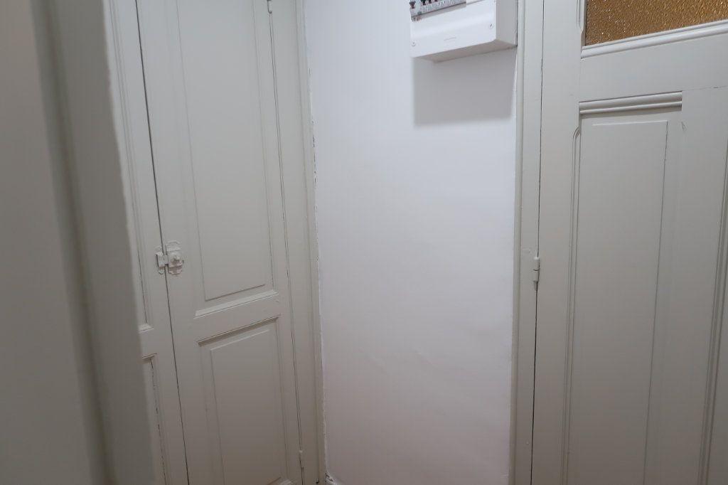 Appartement à louer 2 77m2 à Saint-Quentin vignette-7