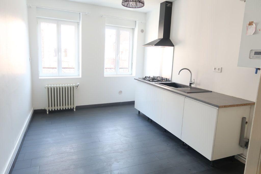 Appartement à louer 2 77m2 à Saint-Quentin vignette-8