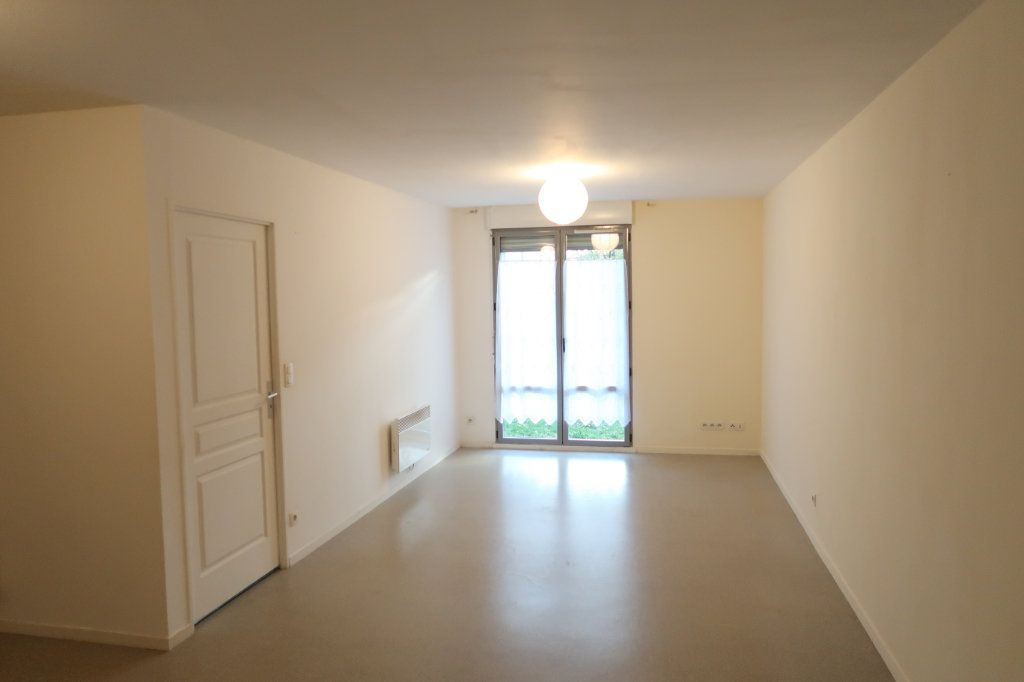 Appartement à louer 2 54.42m2 à Amiens vignette-1