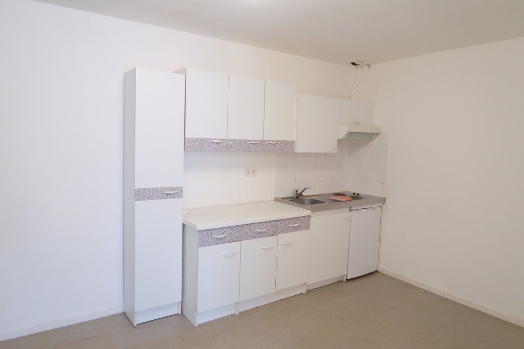 Appartement à louer 2 54.42m2 à Amiens vignette-3
