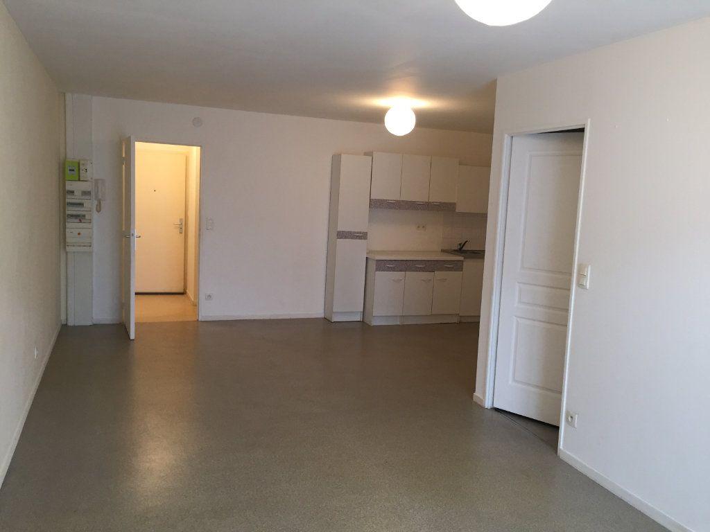 Appartement à louer 2 54.42m2 à Amiens vignette-6