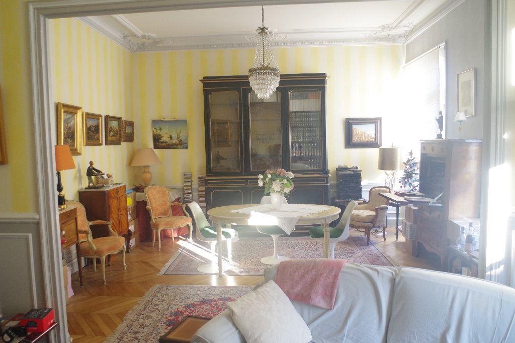 Appartement à vendre 3 100m2 à Saint-Quentin vignette-1