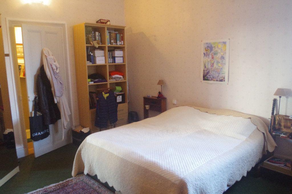 Appartement à vendre 3 100m2 à Saint-Quentin vignette-2