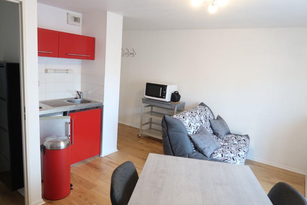 Appartement à louer 2 32.99m2 à Amiens vignette-1