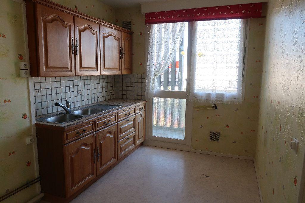 Appartement à vendre 5 93m2 à Saint-Quentin vignette-2