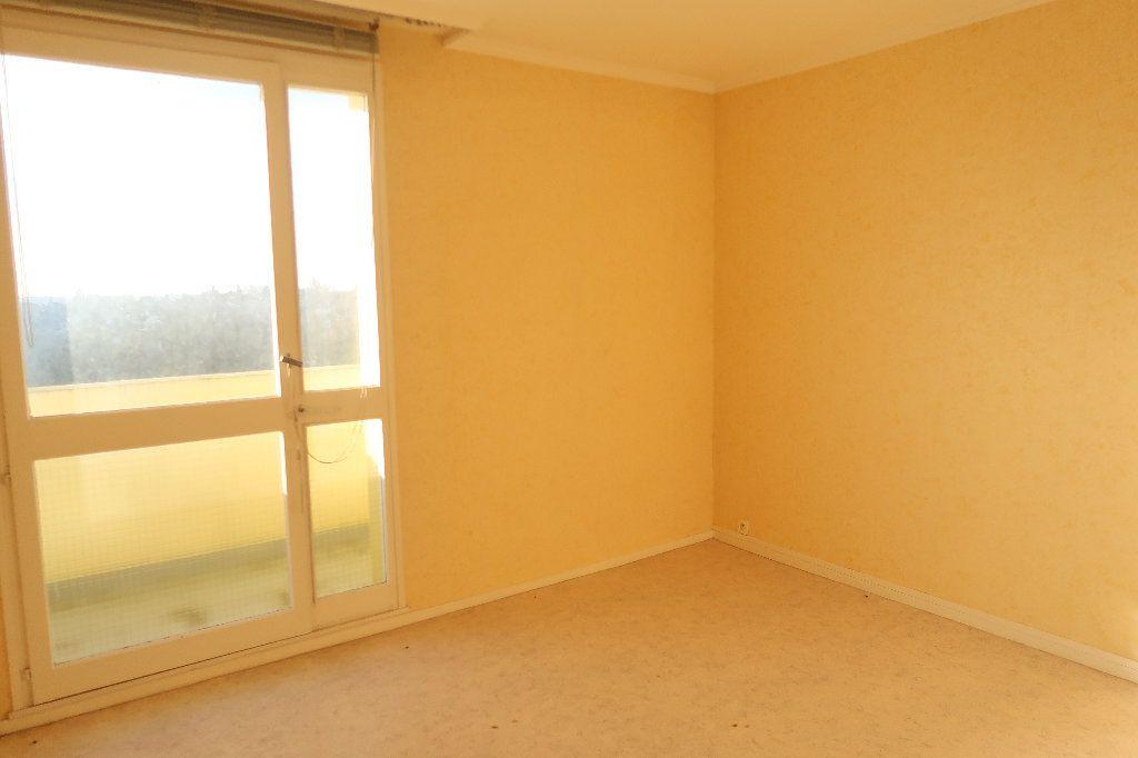 Appartement à vendre 5 93m2 à Saint-Quentin vignette-4
