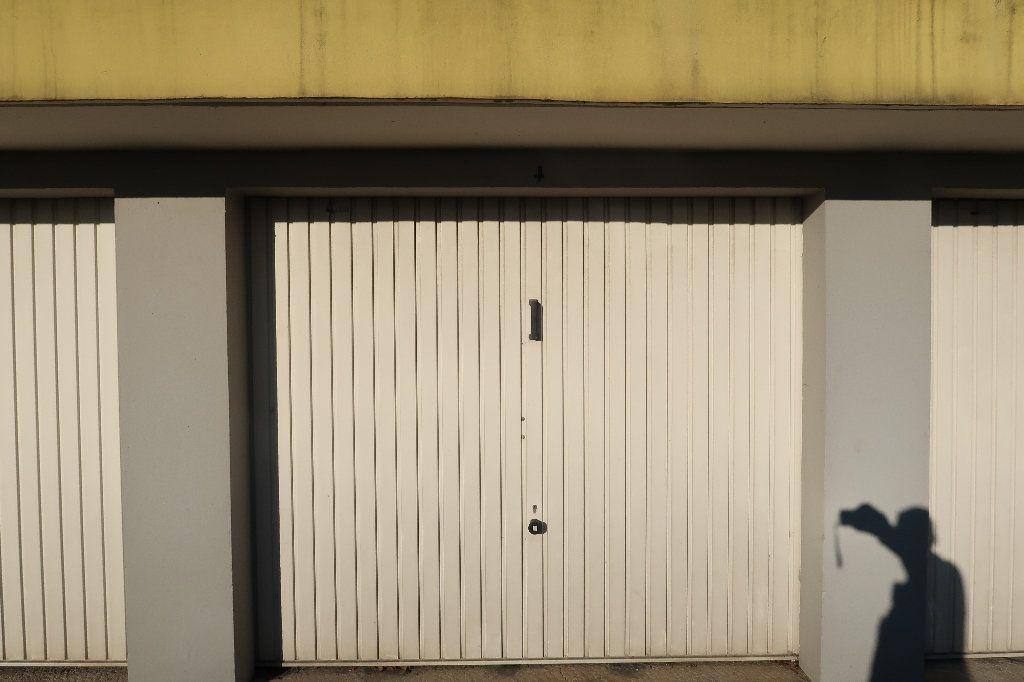 Appartement à vendre 5 93m2 à Saint-Quentin vignette-9