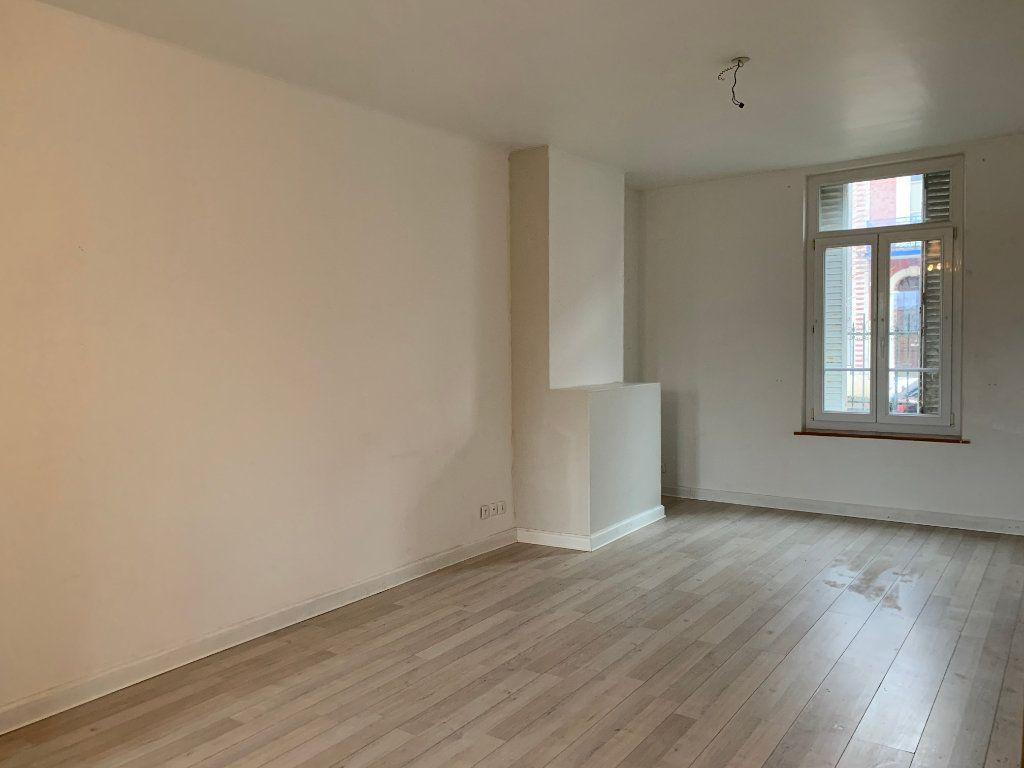 Maison à vendre 4 116m2 à La Fère vignette-7