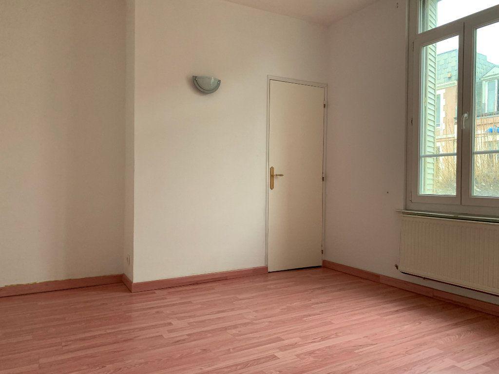 Maison à vendre 4 116m2 à La Fère vignette-8