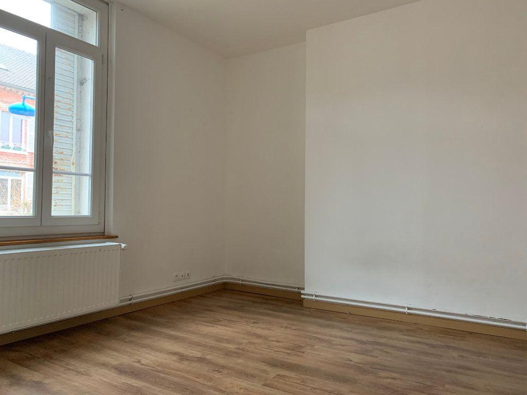 Maison à vendre 4 116m2 à La Fère vignette-9