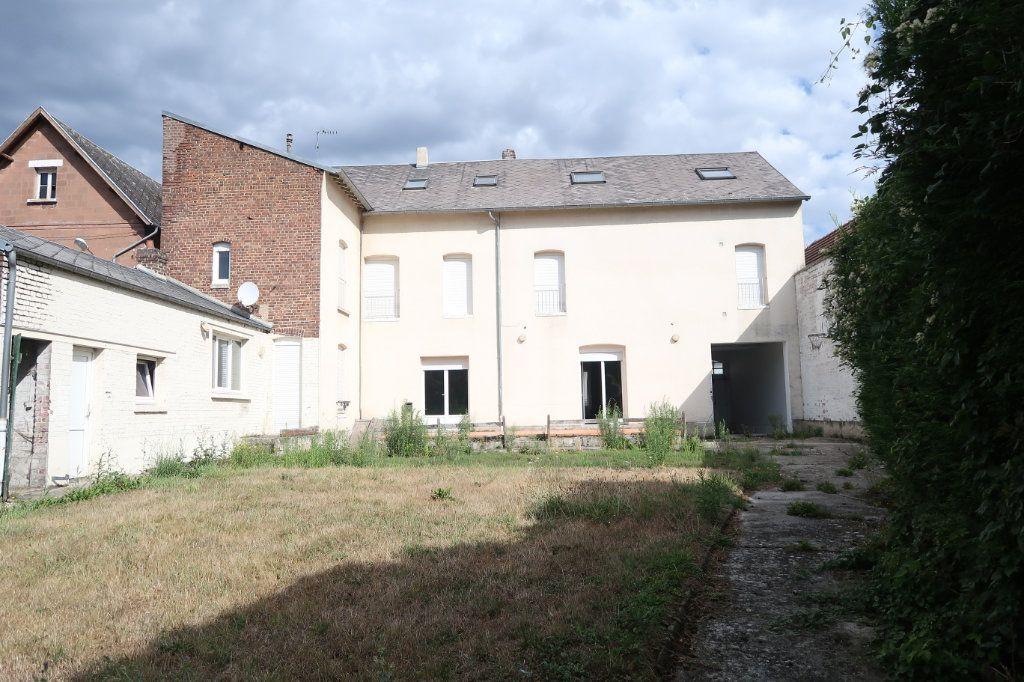 Maison à vendre 12 322m2 à Tergnier vignette-1
