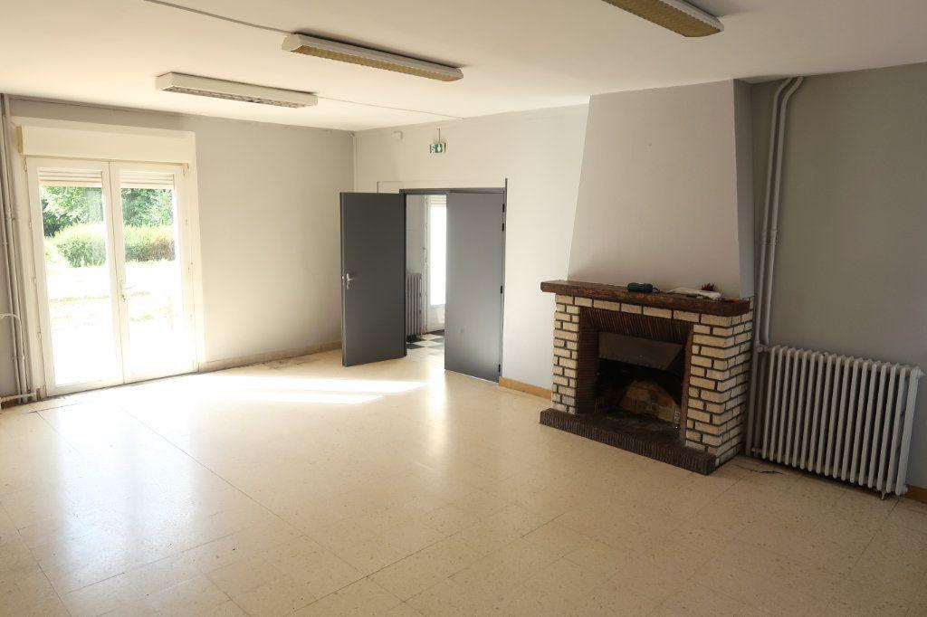 Maison à vendre 12 322m2 à Tergnier vignette-3