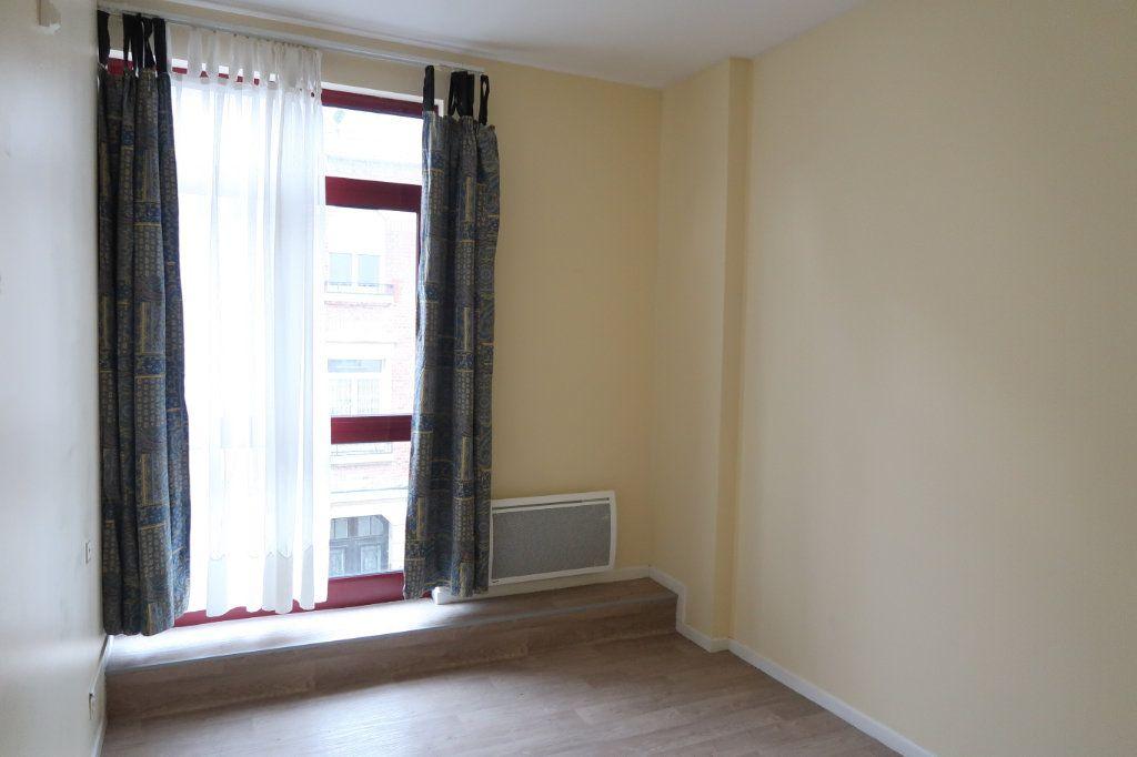 Appartement à louer 4 110m2 à Saint-Quentin vignette-5