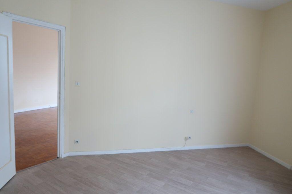 Appartement à louer 4 110m2 à Saint-Quentin vignette-8