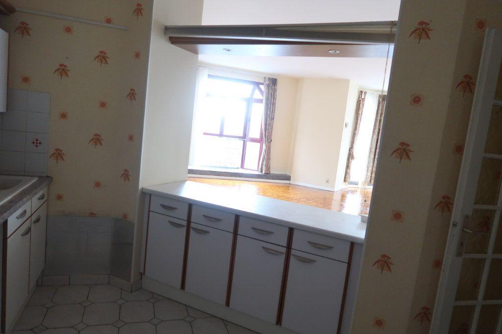 Appartement à louer 4 110m2 à Saint-Quentin vignette-9