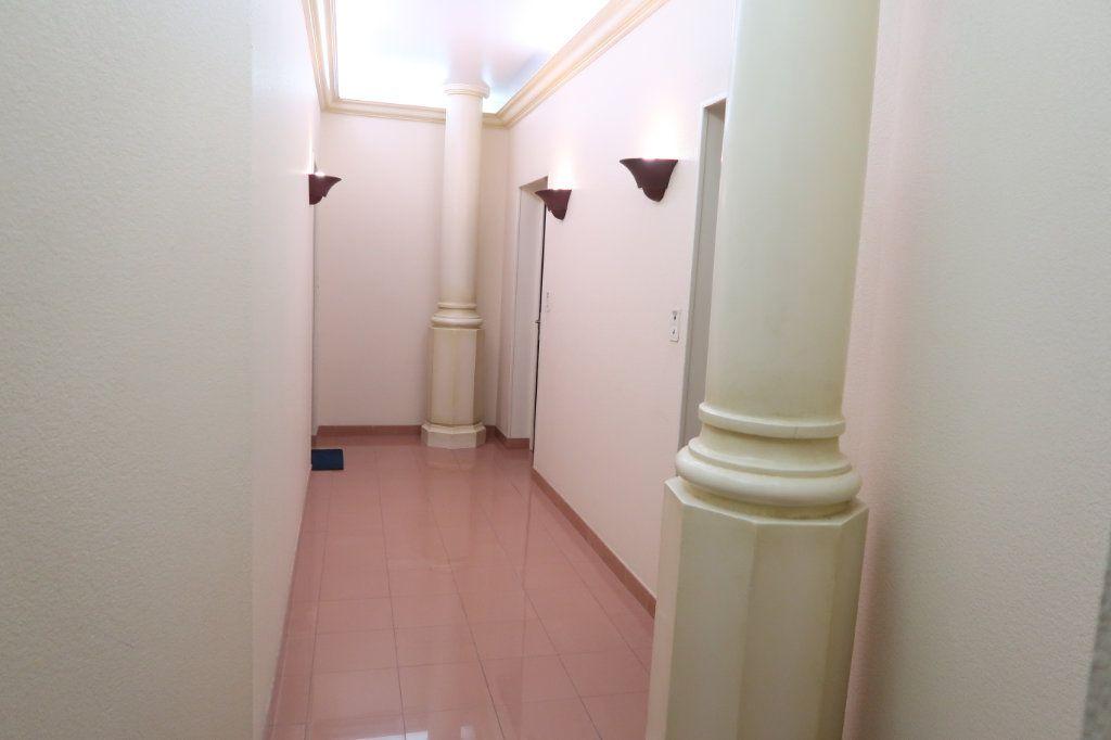 Appartement à louer 4 110m2 à Saint-Quentin vignette-14