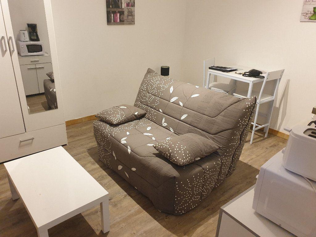 Appartement à louer 1 19.79m2 à Chauny vignette-1