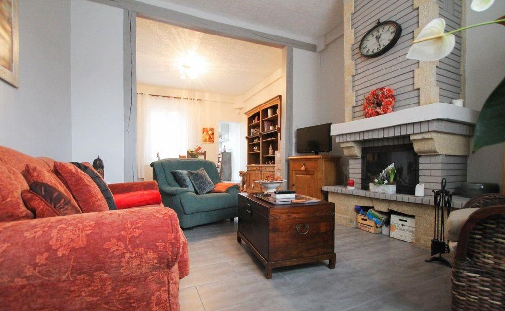 Maison à vendre 4 100m2 à Saint-Quentin vignette-2