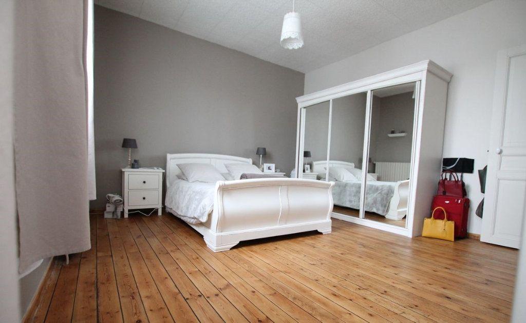 Maison à vendre 4 100m2 à Saint-Quentin vignette-3