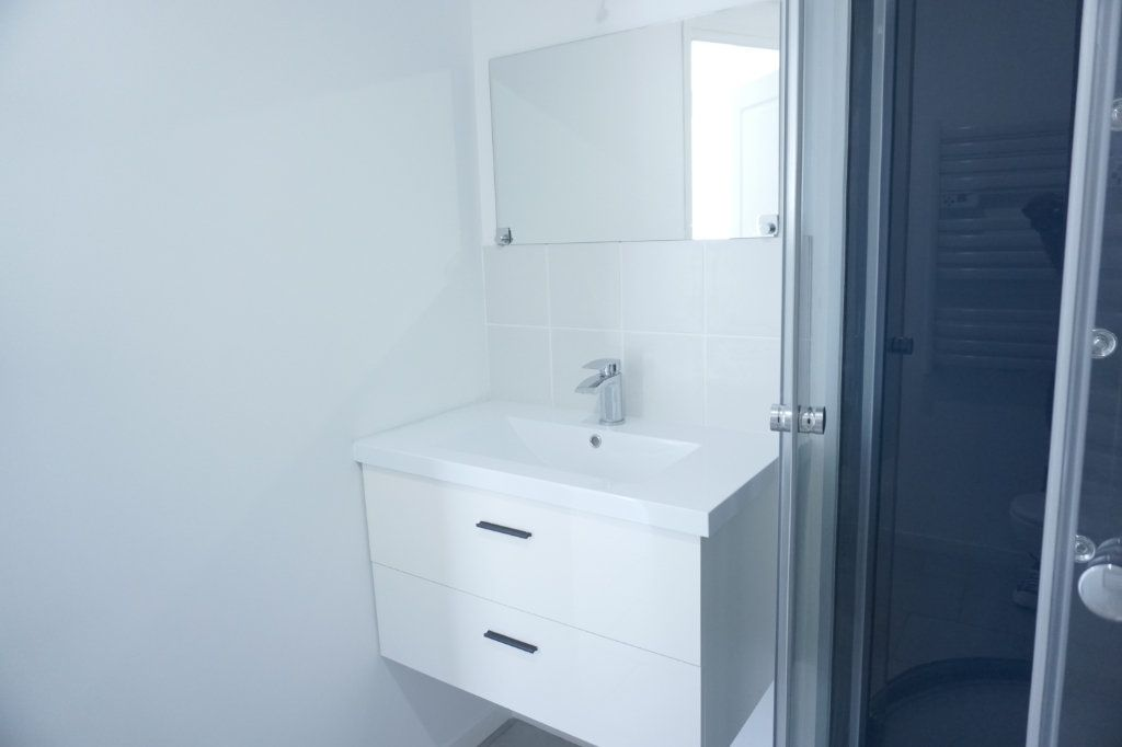Appartement à louer 1 27.8m2 à Saint-Quentin vignette-4