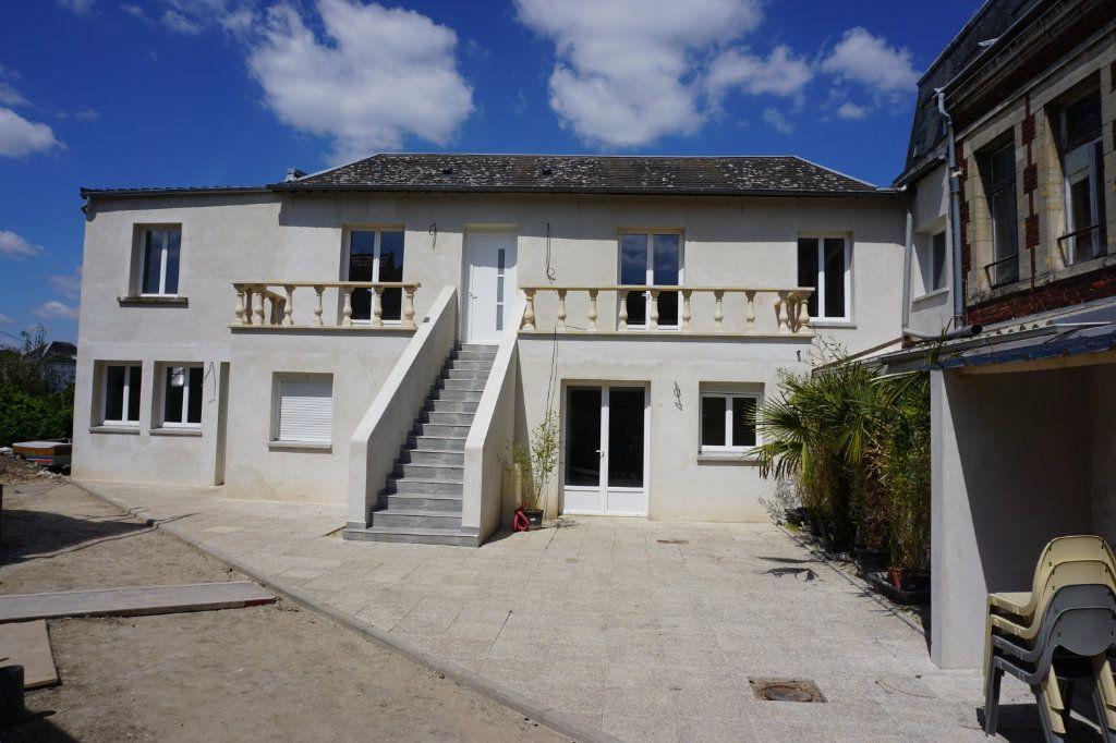 Appartement à louer 2 35m2 à Saint-Quentin vignette-3