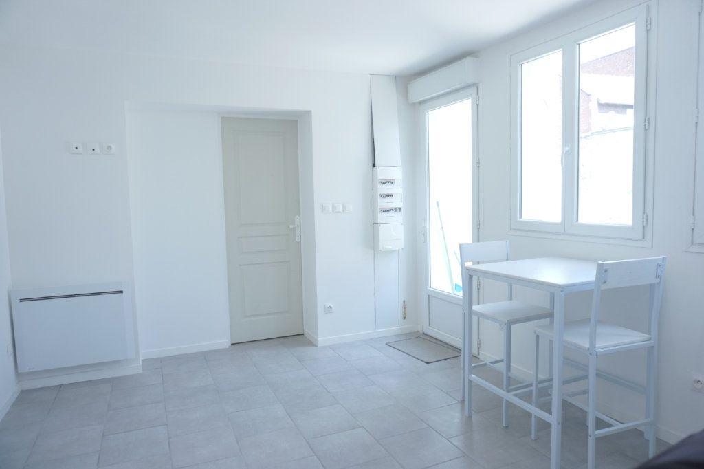 Appartement à louer 2 35m2 à Saint-Quentin vignette-7