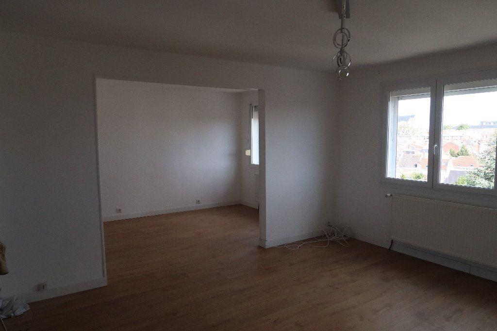 Appartement à vendre 4 106m2 à Saint-Quentin vignette-2
