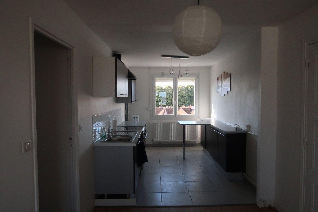 Appartement à vendre 4 106m2 à Saint-Quentin vignette-3