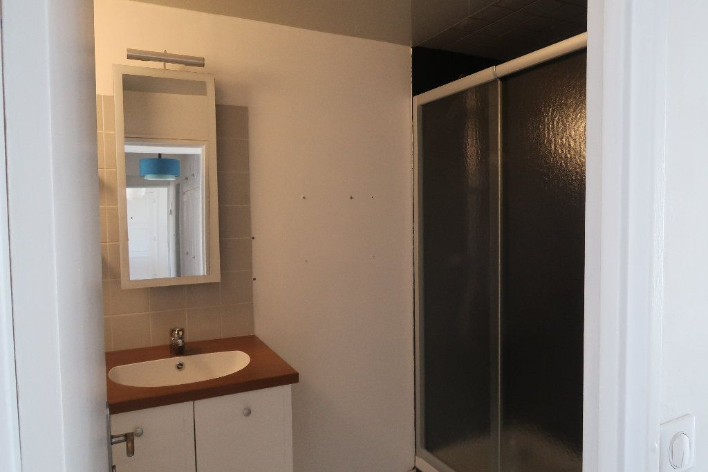 Appartement à vendre 4 106m2 à Saint-Quentin vignette-10