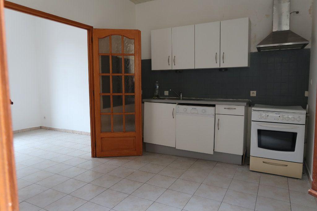 Maison à vendre 6 110m2 à Saint-Quentin vignette-2