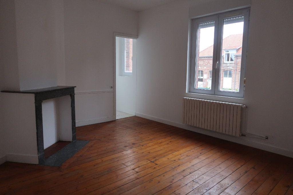 Maison à vendre 6 110m2 à Saint-Quentin vignette-3