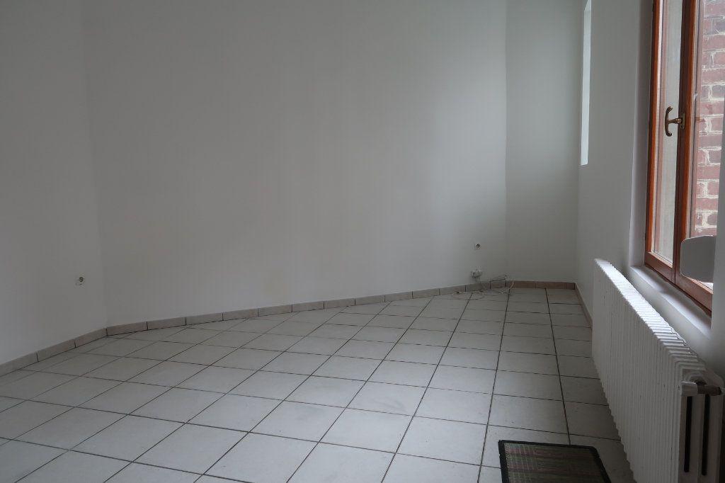 Maison à vendre 6 110m2 à Saint-Quentin vignette-6