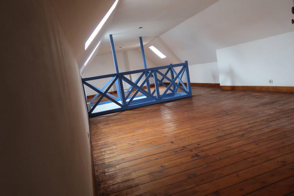 Maison à vendre 6 110m2 à Saint-Quentin vignette-11
