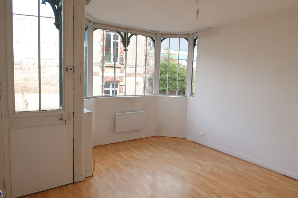 Appartement à louer 4 80m2 à Saint-Quentin vignette-2