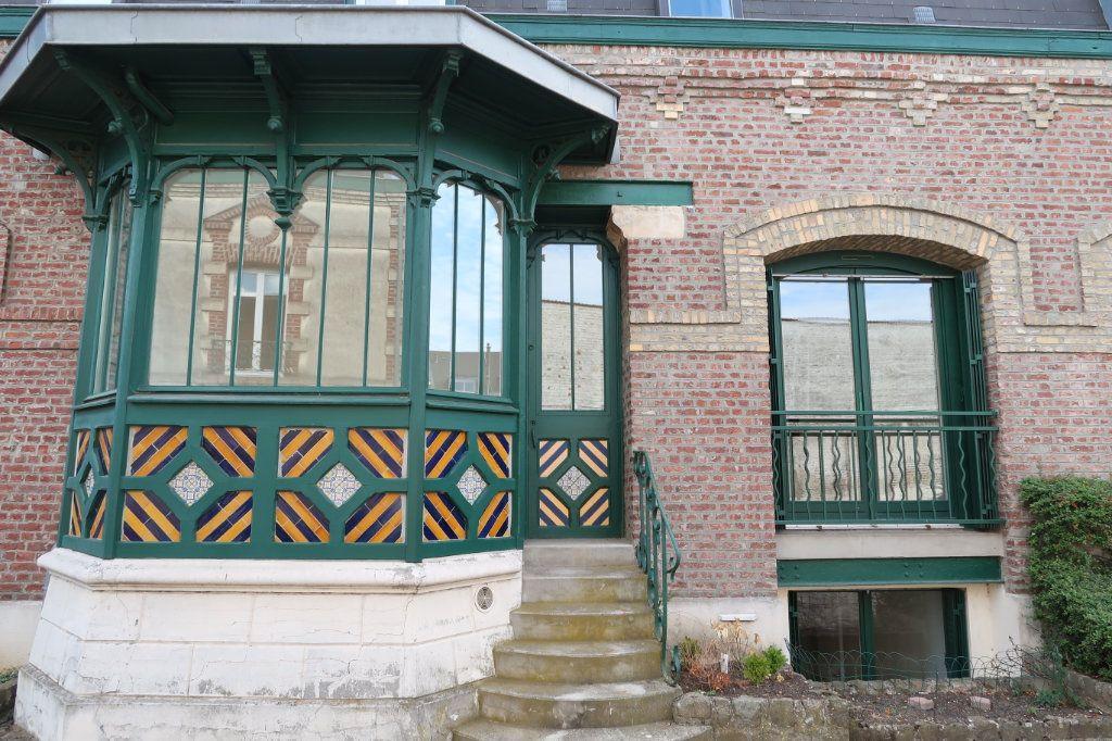 Appartement à louer 4 80m2 à Saint-Quentin vignette-3