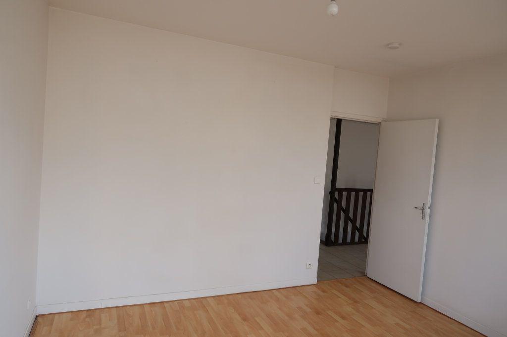 Appartement à louer 4 80m2 à Saint-Quentin vignette-4