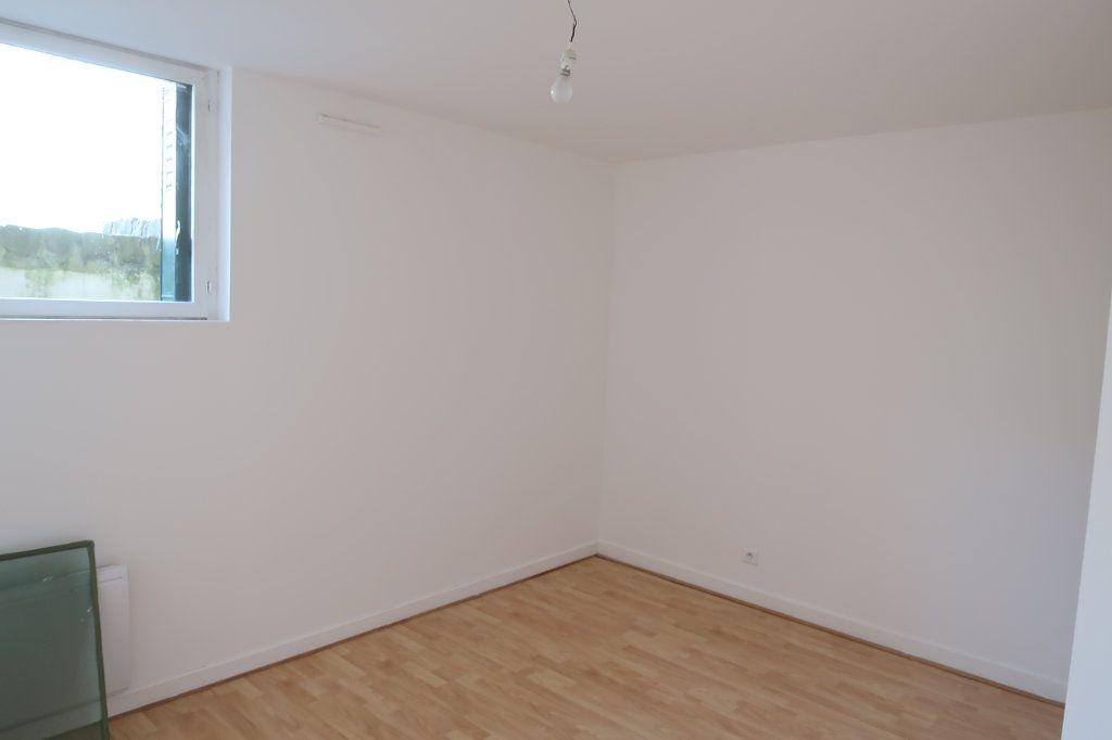 Appartement à louer 4 80m2 à Saint-Quentin vignette-7