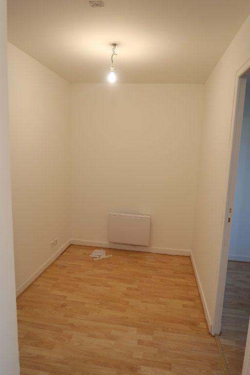Appartement à louer 4 80m2 à Saint-Quentin vignette-8