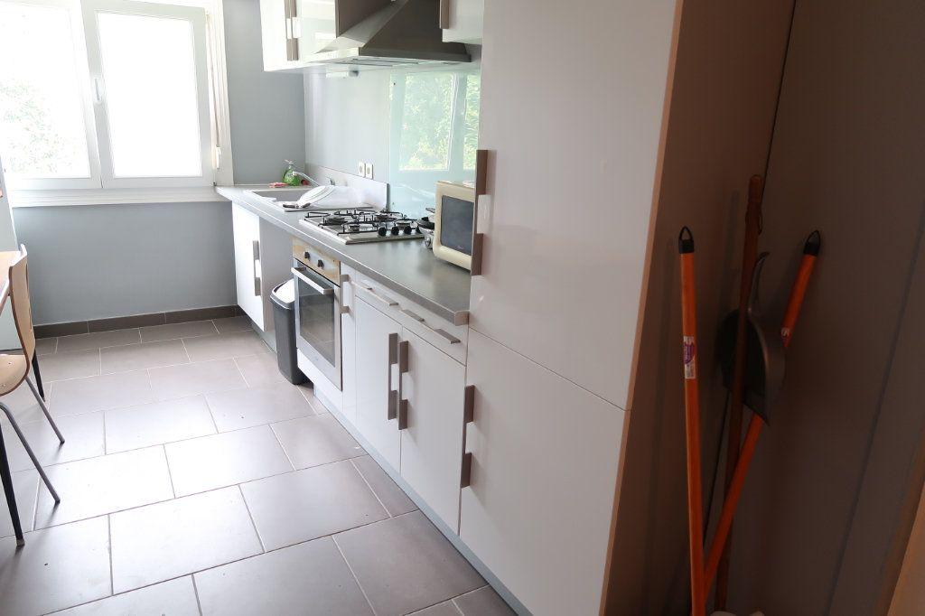 Maison à louer 5 110m2 à Saint-Quentin vignette-2