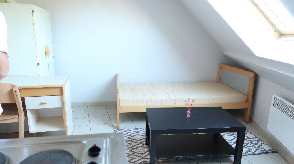 Appartement à louer 1 12.5m2 à Amiens vignette-3