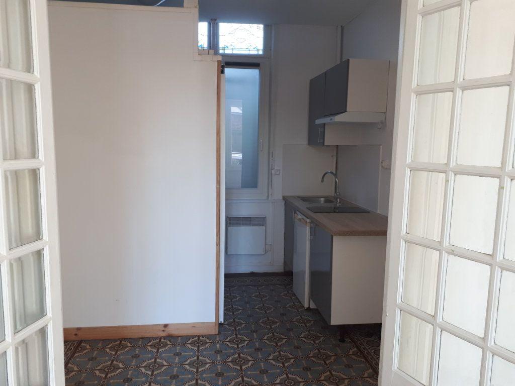 Appartement à louer 1 21.3m2 à Amiens vignette-1