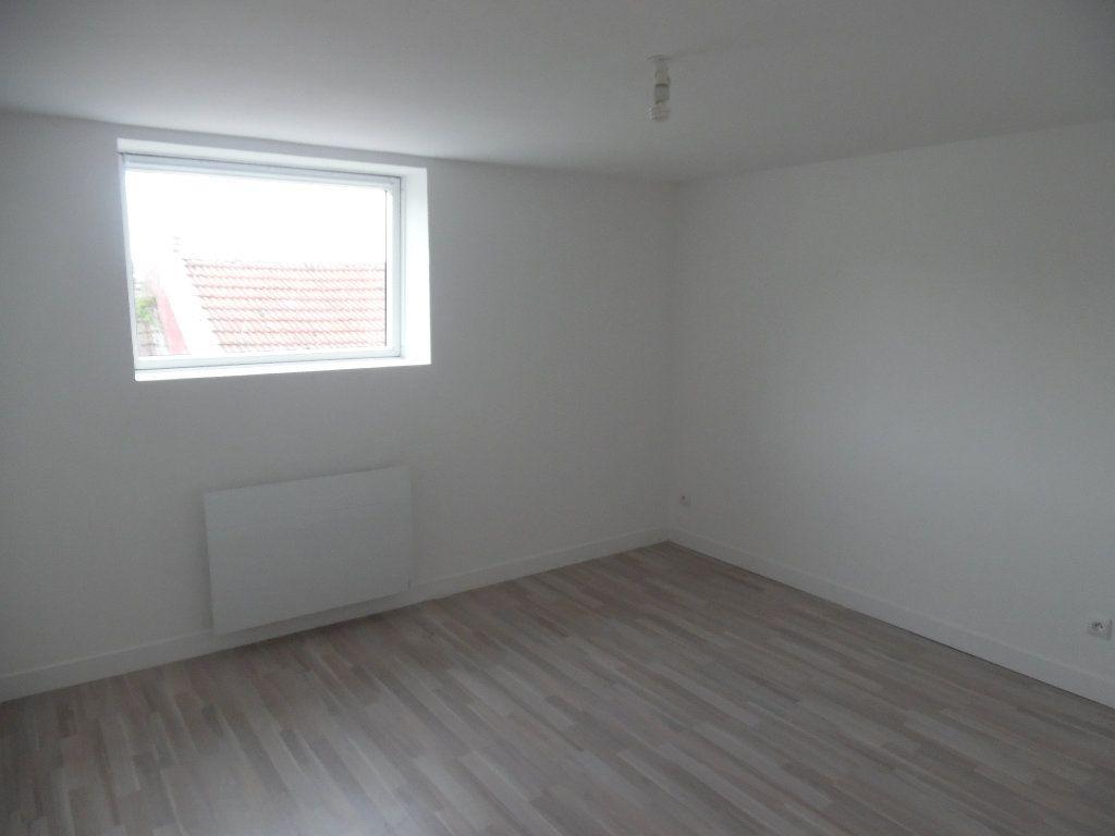 Maison à vendre 4 70m2 à Saint-Quentin vignette-4