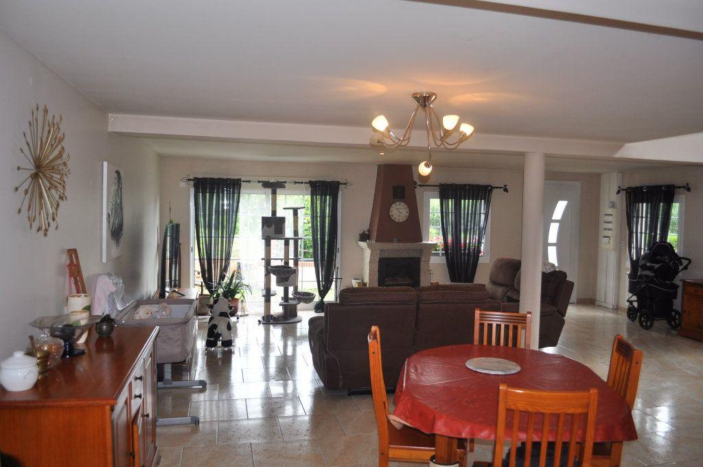 Maison à vendre 4 140.35m2 à Camon vignette-1