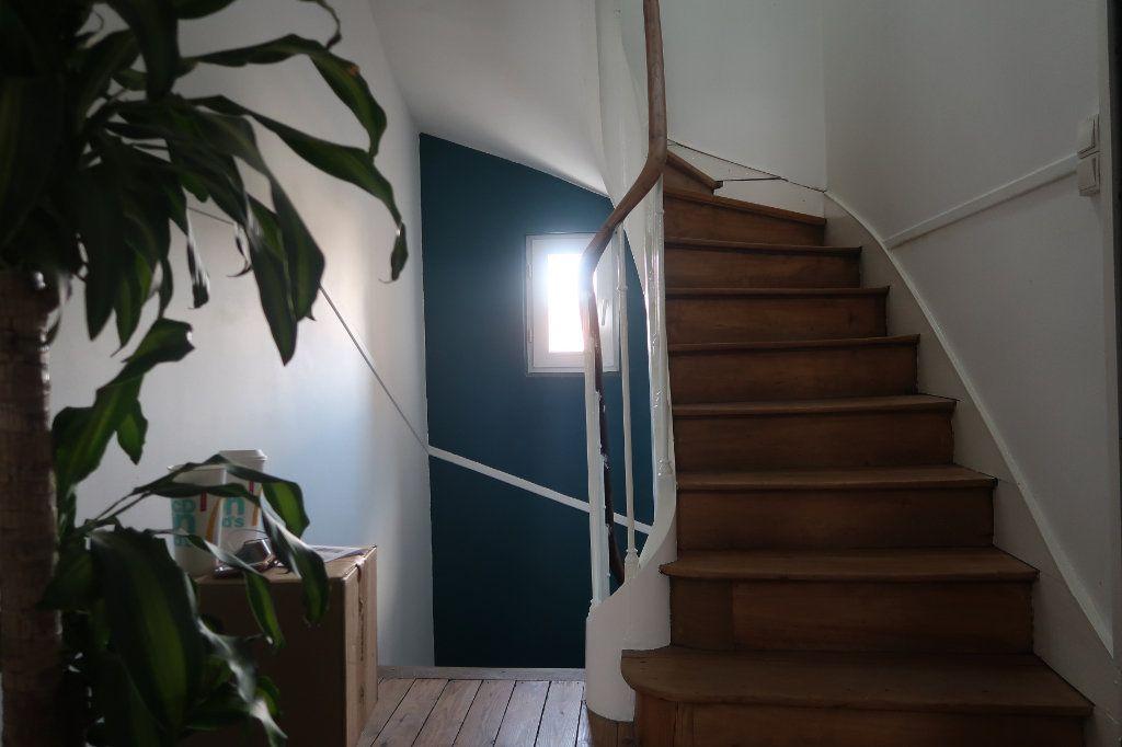 Maison à vendre 8 180m2 à Saint-Quentin vignette-8
